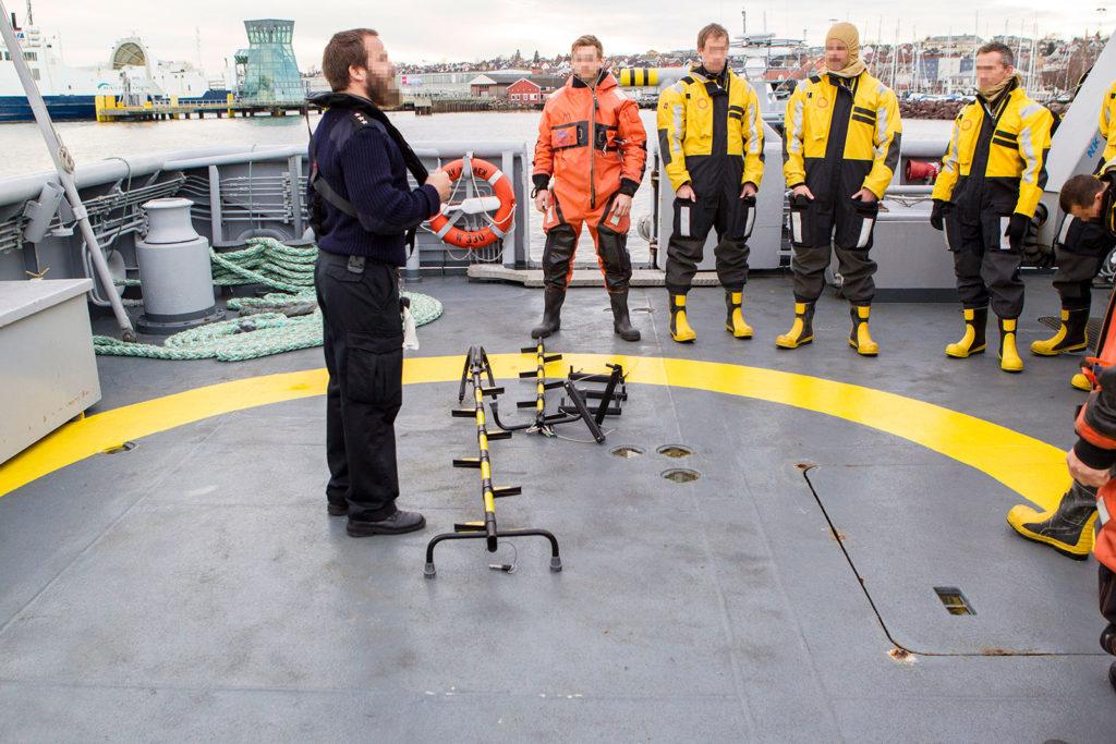 Henriksen Resq tactical ladder instructor